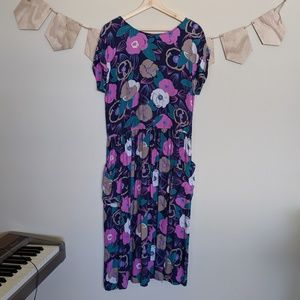 Vintage 90s Floral Dress W Pockets and Buttons